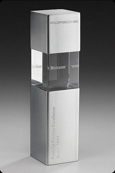 Metal Glass Statuette 3 Element